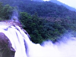 ATHIRAPALLY, MUNNAR BUDGET TOUR PACKAGE 4 DAYS / 3 NIGHTS
